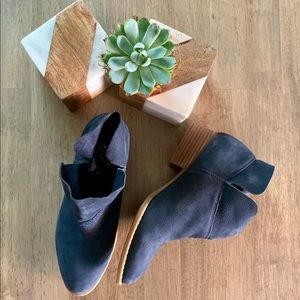 Crown Vintage Blue Suede Leather Windy Ankle Boot